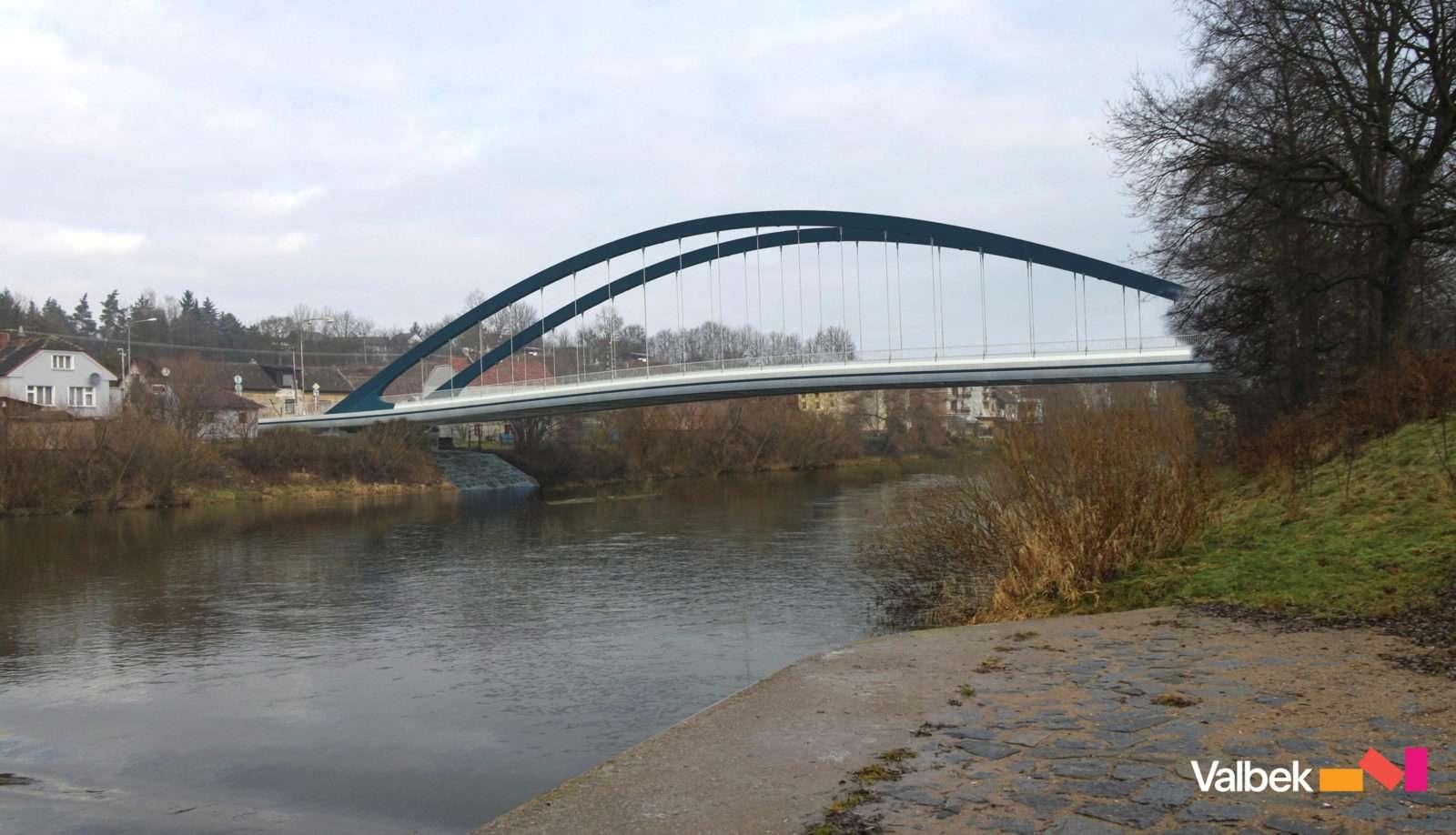 Stavba mostu ve Svinarech je v plném proudu
